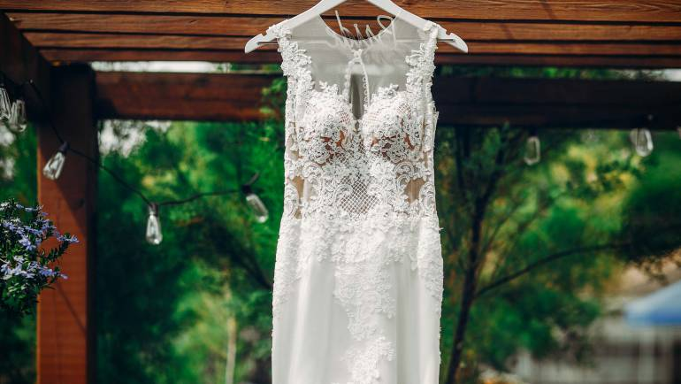 ENJOY YOUR WEDDING IN WINERY
